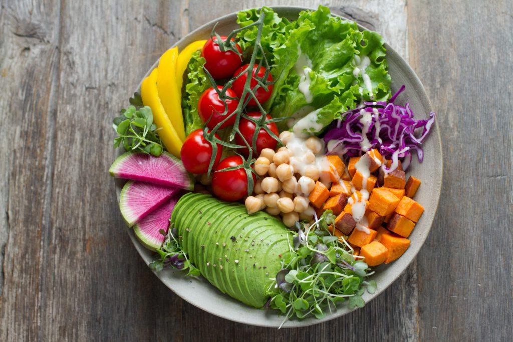 social-distancing-healthy-food