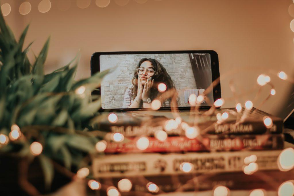 social-distancing-video-call