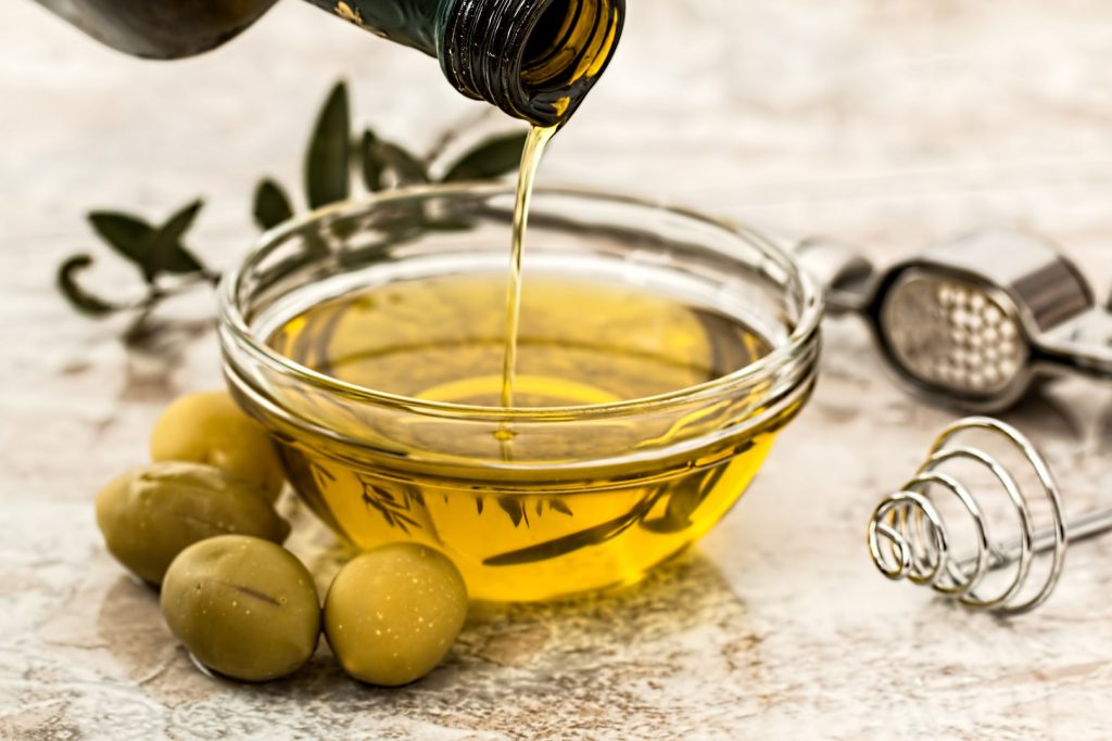 olive-cooking-oil