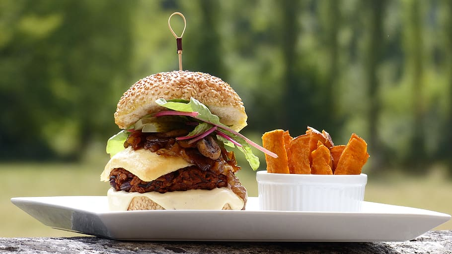 vegan-pulled-pork-sandwich