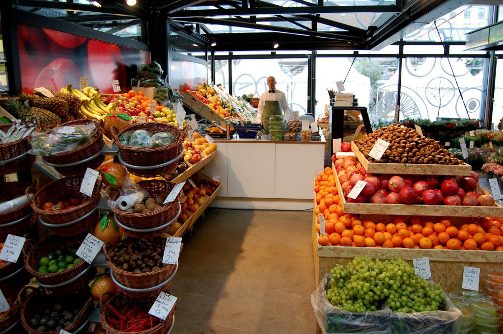 plant-based-fruits-and-vegetables-in-supermarket
