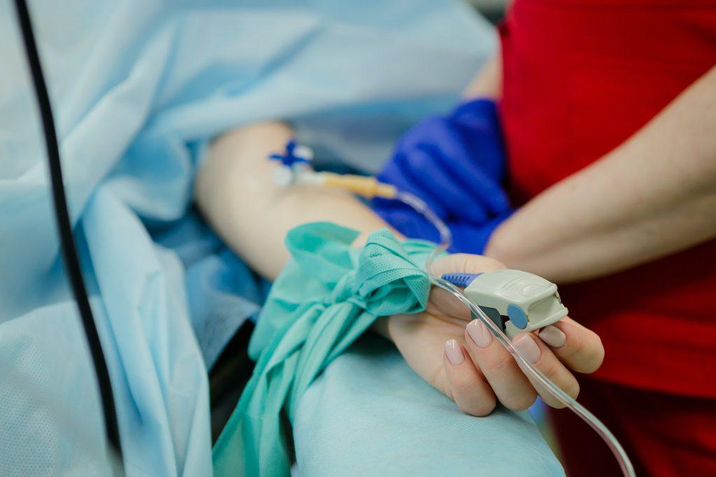 women-in-hospital-bed